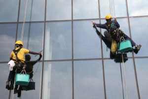 high-rise-rope-access-facade-window-cleaning